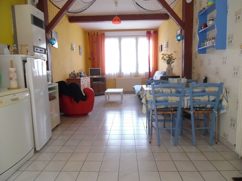 Sale apartment Le treport 104000€ - Picture 2