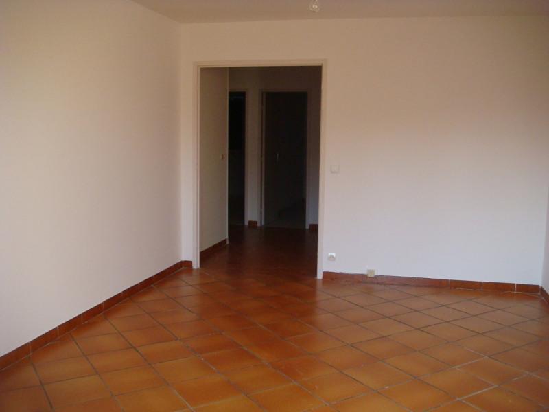 Rental house / villa Venelles 1150€ CC - Picture 3