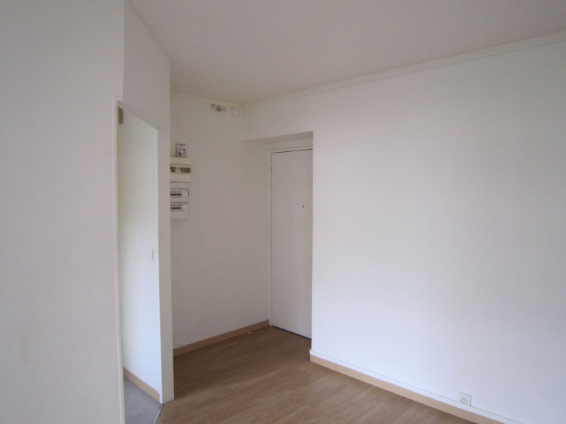 Location appartement Paris 15ème 996€ CC - Photo 6