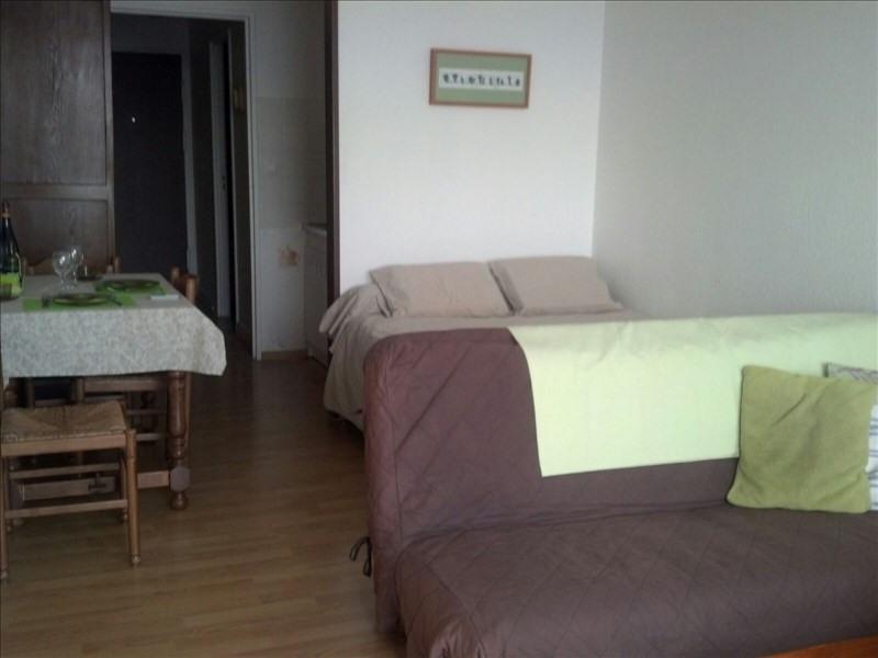 Locação apartamento Paris 18ème 830€ CC - Fotografia 2