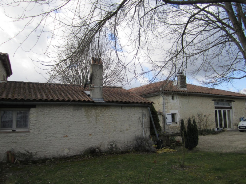 Vente maison / villa Barbezieux saint-hilaire 156 000€ - Photo 1