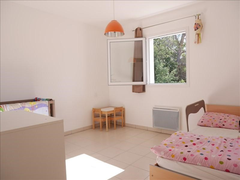 Sale apartment Fuveau 247000€ - Picture 6