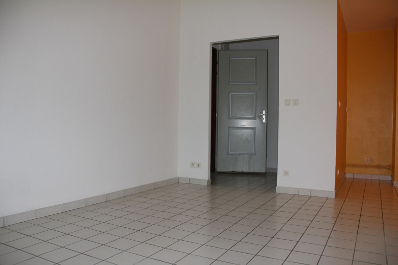 Rental apartment Châlons-en-champagne 440€ CC - Picture 2