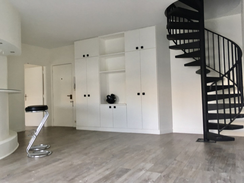 Location appartement Neuilly-sur-seine 2 400€ CC - Photo 2