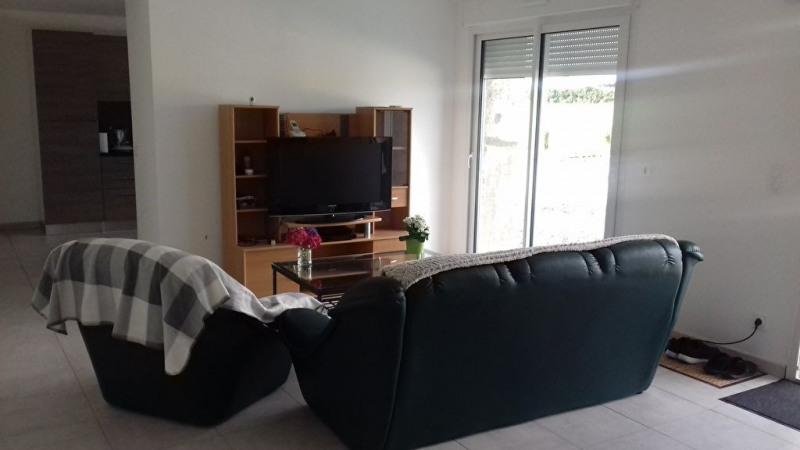 Rental house / villa Saint charles la foret 520€ CC - Picture 3