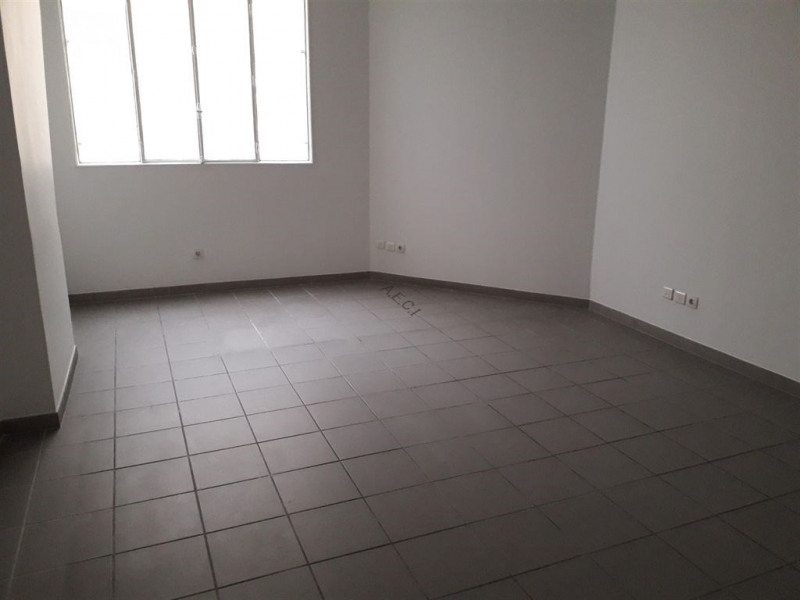 Location boutique Paris 6ème 2 070€ CC - Photo 3