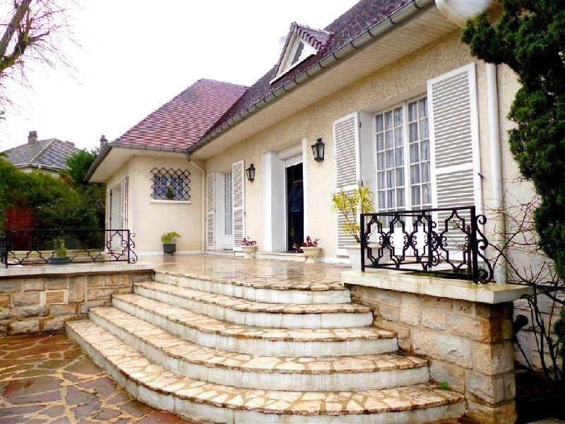 Sale house / villa Ste genevieve des bois 579000€ - Picture 1