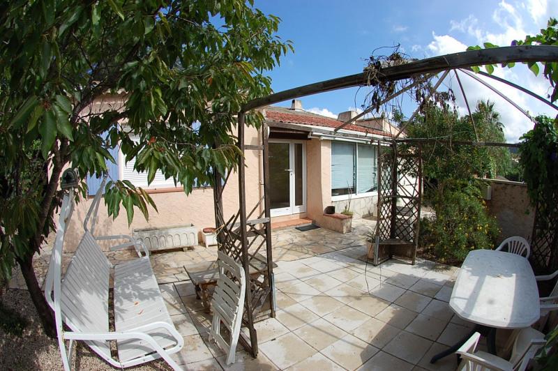 Sale house / villa Six fours 337000€ - Picture 1