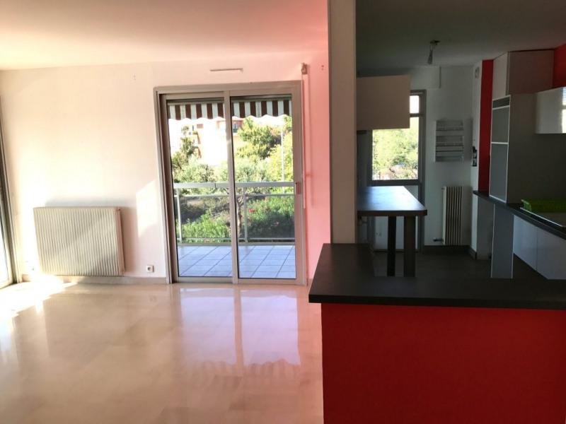 Location appartement Antibes 1394€ CC - Photo 2