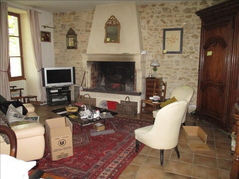 Rental house / villa St jean d angely 690€ CC - Picture 3