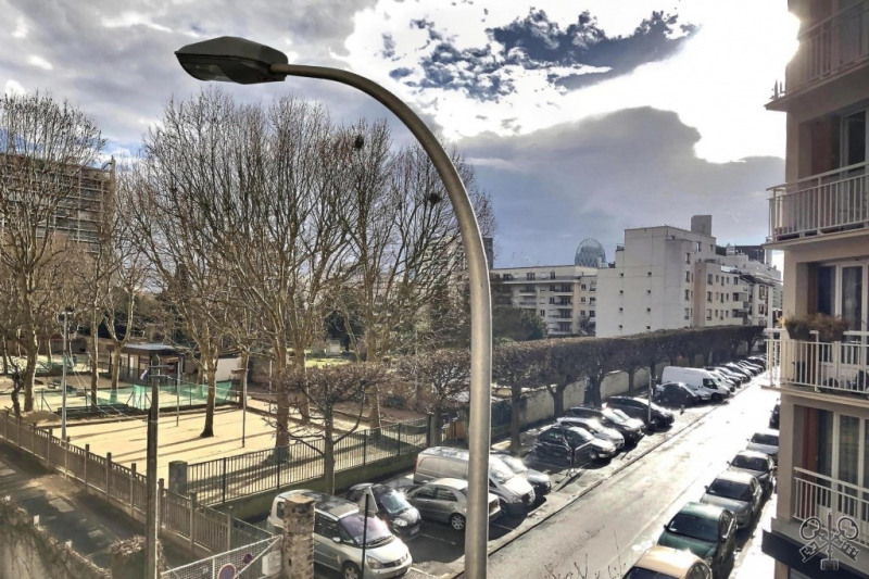Sale apartment Courbevoie 480000€ - Picture 1
