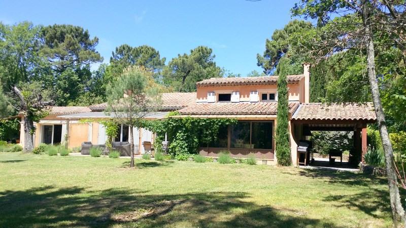 Vente de prestige maison / villa Bagnols-en-forêt 998000€ - Photo 2