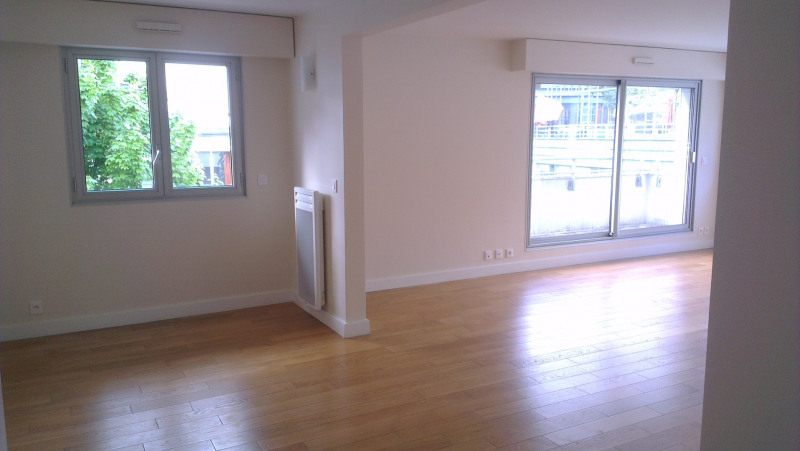 Location appartement Paris 9ème 4 780€ CC - Photo 2