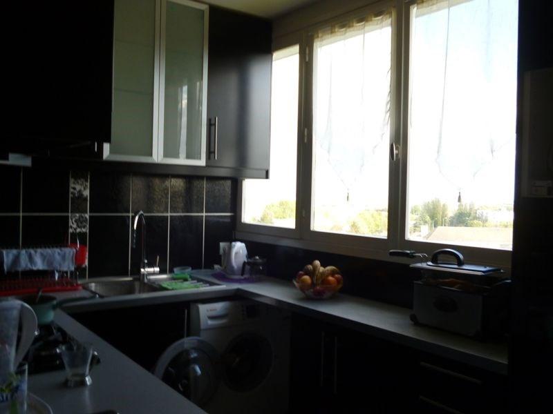 Sale apartment Beauvais 110000€ - Picture 3