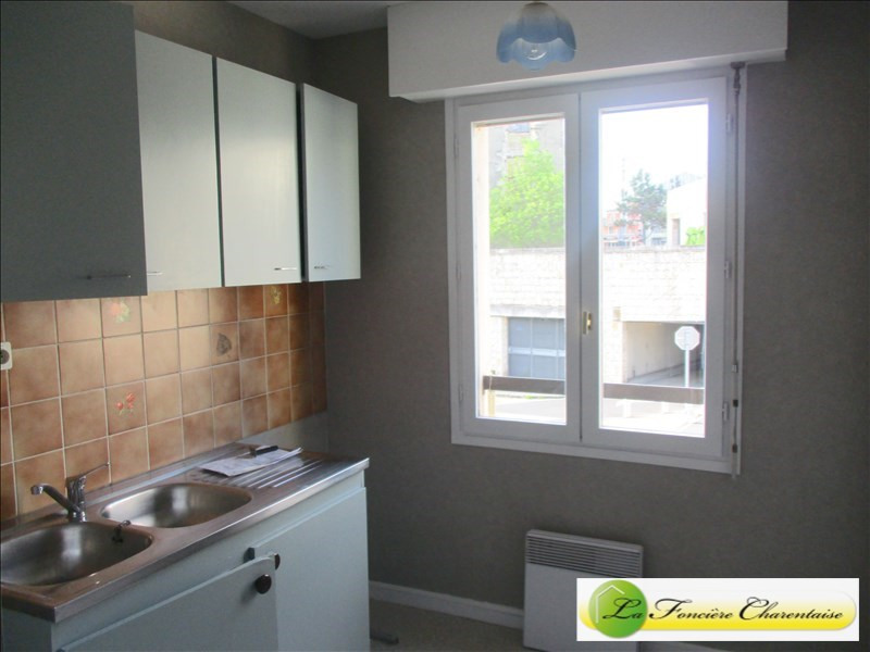 Rental apartment Angouleme 420€ CC - Picture 2