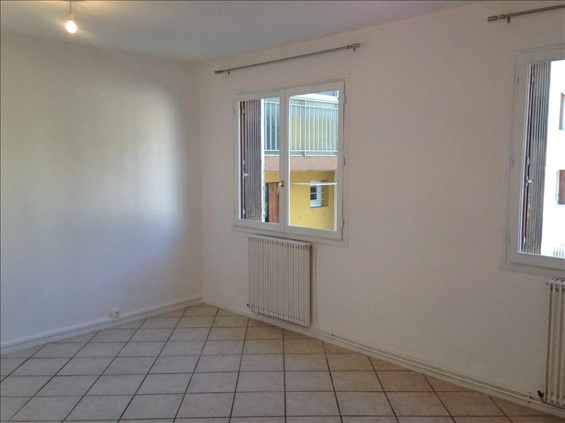 Rental apartment Salon de provence 770€ CC - Picture 2
