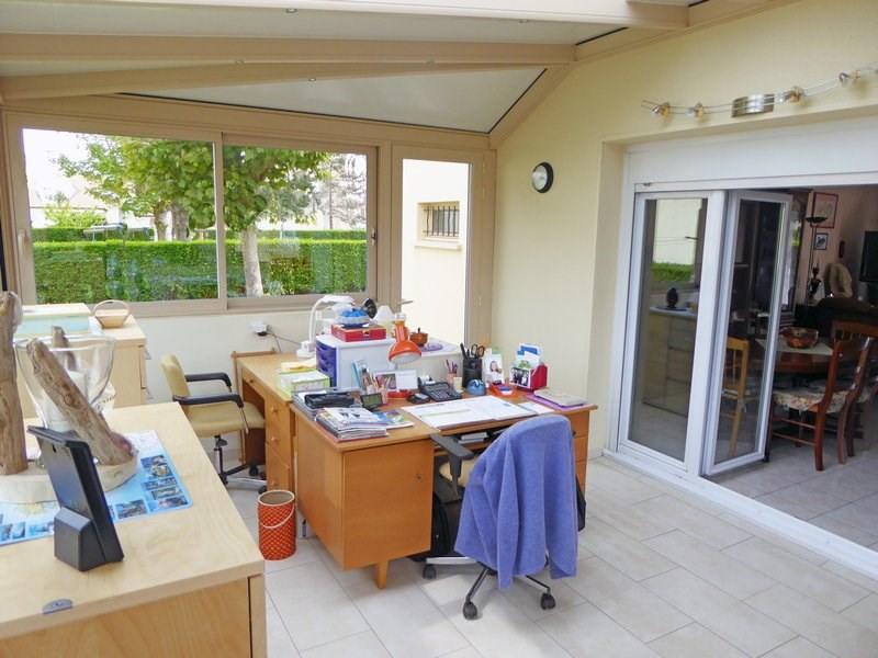 Sale house / villa Maurepas 366000€ - Picture 1