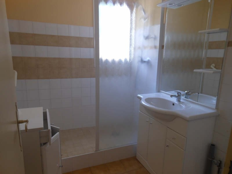 Rental apartment Nimes 660€ CC - Picture 7