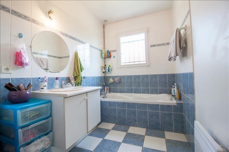 Sale house / villa Lescar 246100€ - Picture 11
