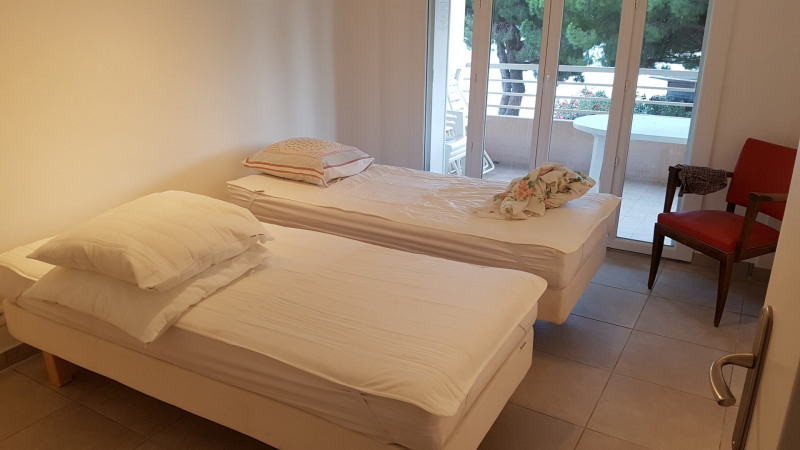 Vacation rental apartment Bandol 652€ - Picture 6