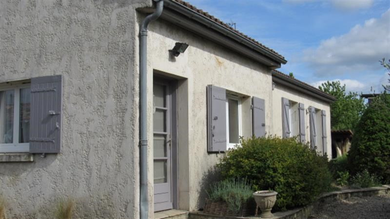 Sale house / villa Saint-jean-d'angély 164 300€ - Picture 9