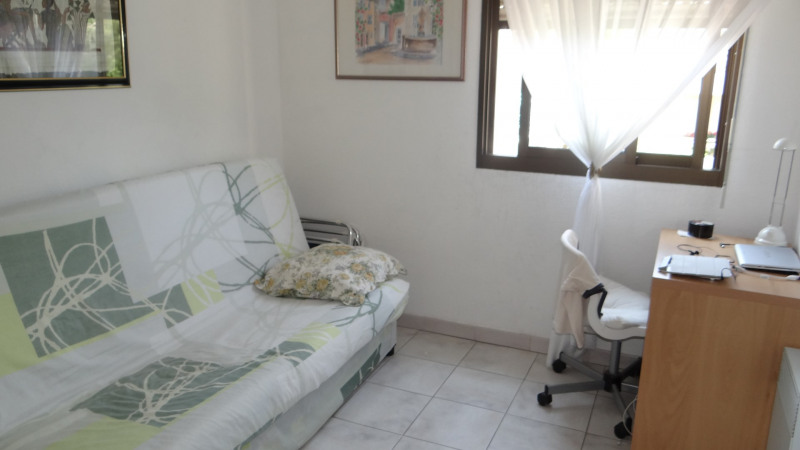 Location vacances appartement Cavalaire 520€ - Photo 8