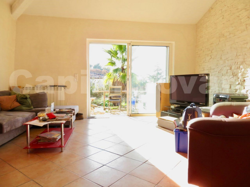 Deluxe sale house / villa Le beausset 695 000€ - Picture 2