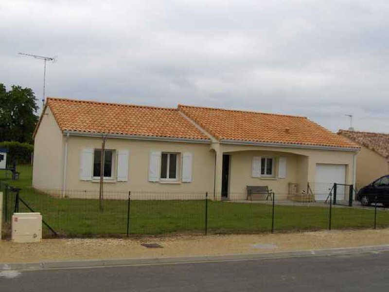 Location maison / villa Naintre 660€ +CH - Photo 1