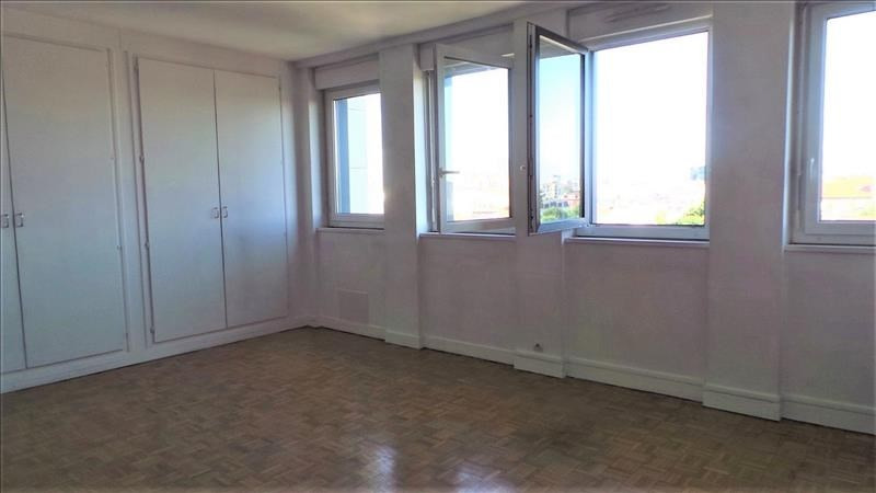 Sale apartment Courbevoie 210000€ - Picture 2