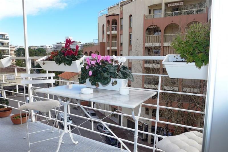 Sale apartment Juan les pins 350000€ - Picture 7
