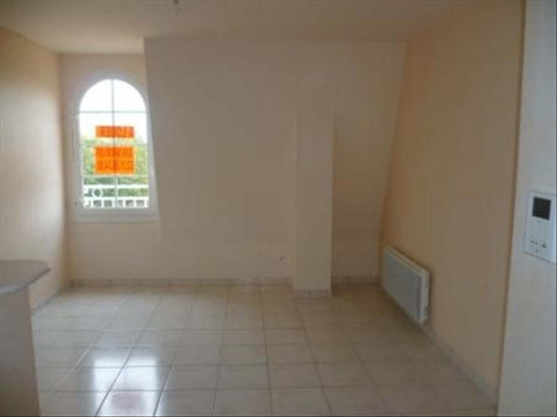 Location appartement Falaise 358€ CC - Photo 1