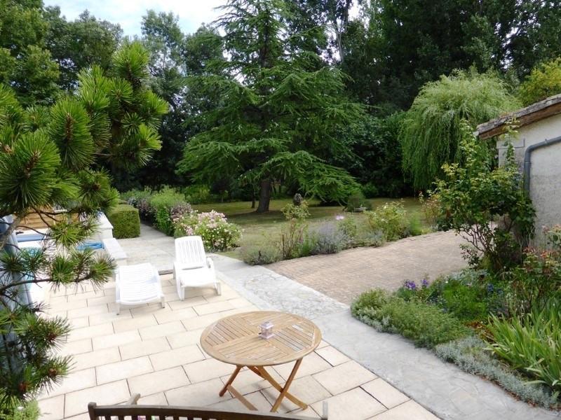 Sale house / villa St amant de graves 397500€ - Picture 10