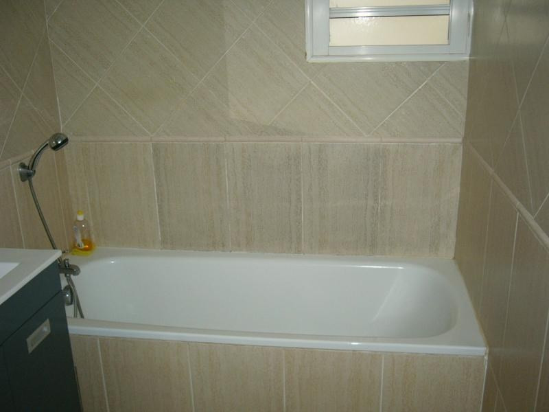 Rental apartment St denis 672€ CC - Picture 8