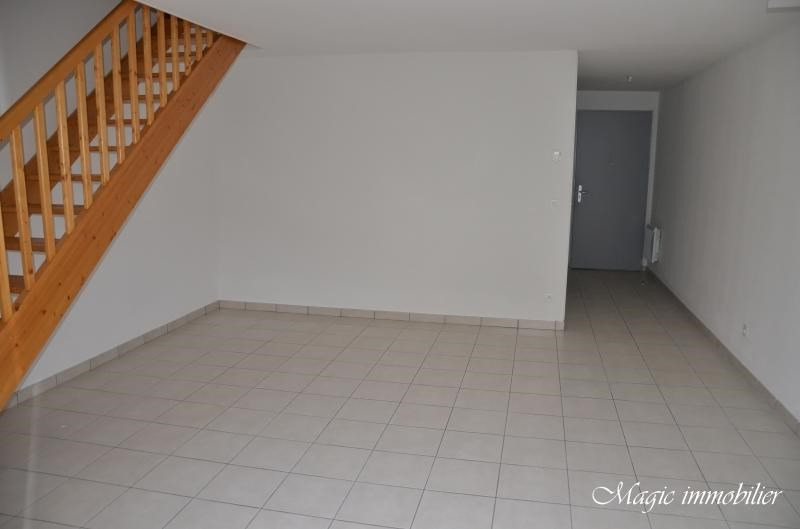 Rental house / villa Belley 614€ CC - Picture 3