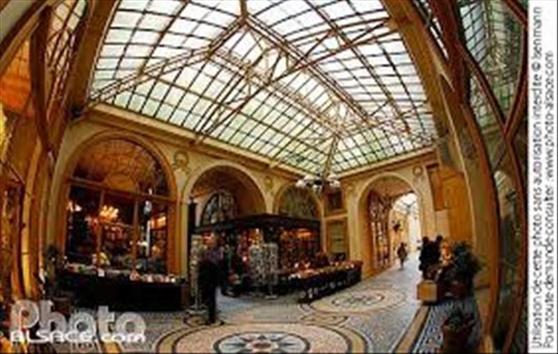 Commercial property sale shop Paris 2ème 352000€ - Picture 1