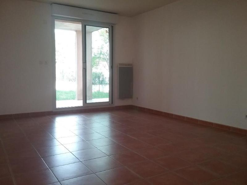 Location appartement Trets 853€ CC - Photo 3