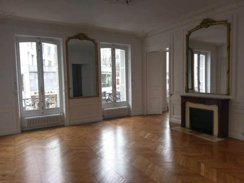 Rental apartment Paris 8ème 4 091,89€ CC - Picture 2