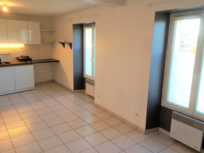 Location appartement Pierrelaye 614€ CC - Photo 3