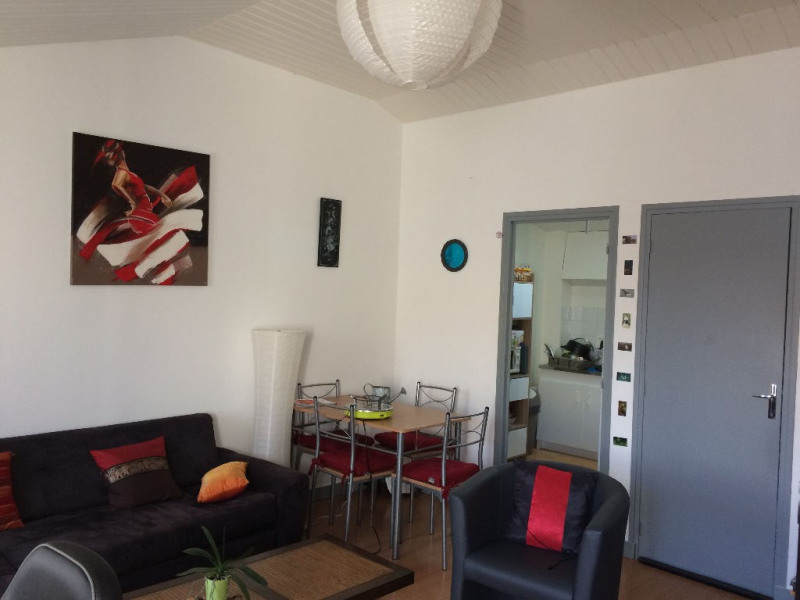Sale apartment Rochefort 85 600€ - Picture 2