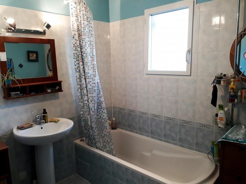 Sale house / villa St georges d esperanche 240000€ - Picture 7