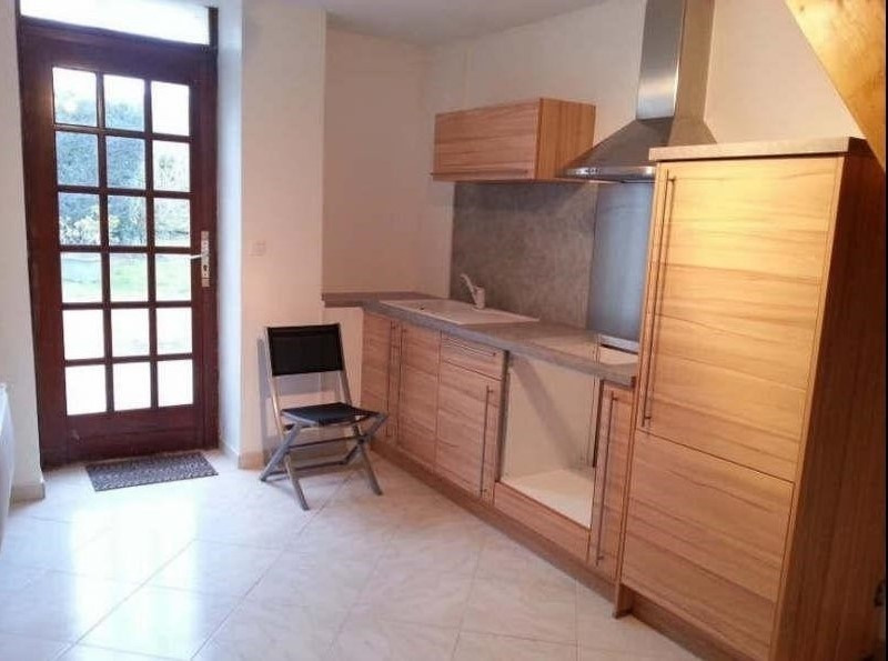 Location appartement Ercuis 460€ CC - Photo 1