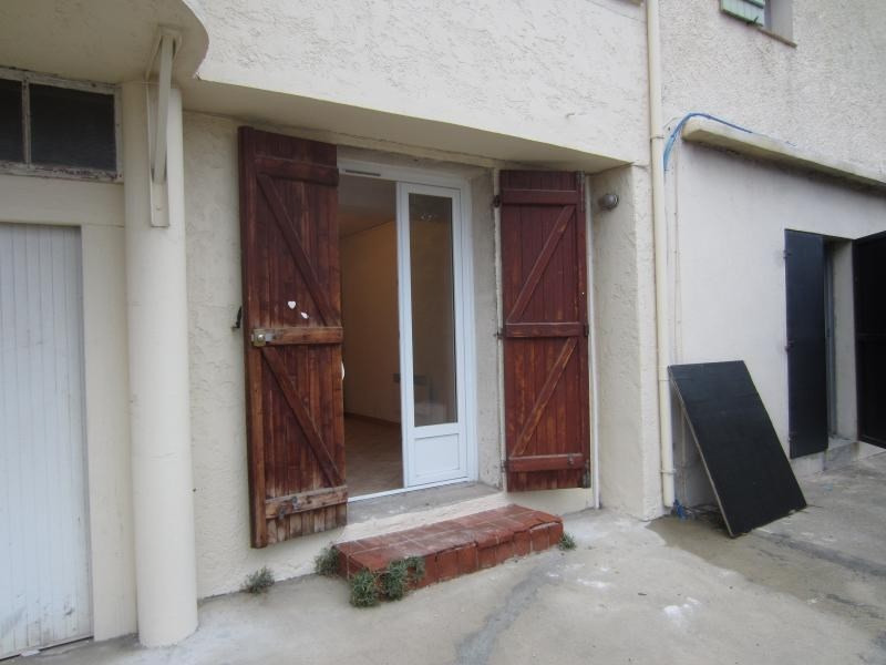 Location appartement Six fours les plages 380€ CC - Photo 5