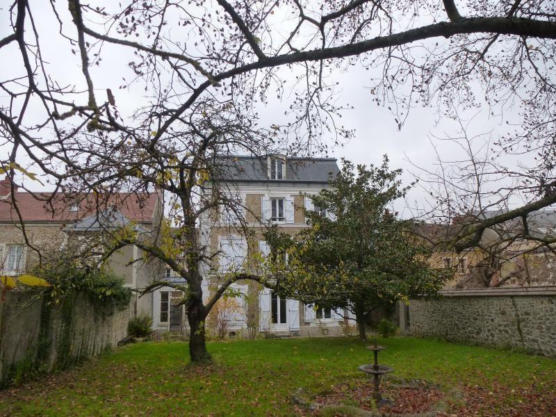 Sale house / villa Mennecy 552000€ - Picture 1