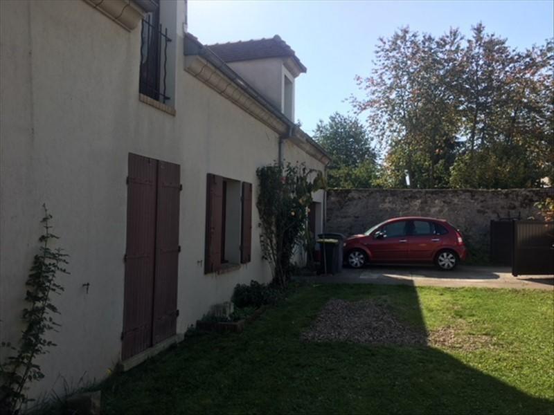Sale house / villa Ableiges 356600€ - Picture 1