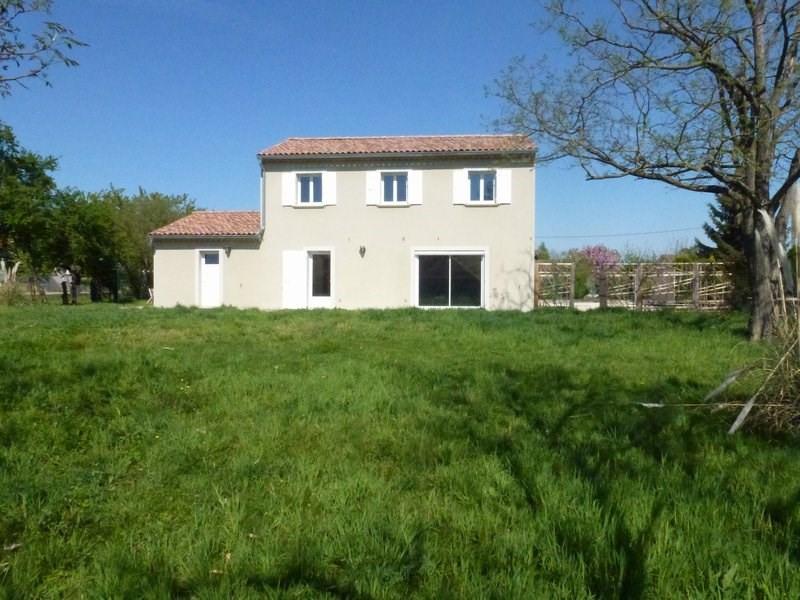 Location maison / villa Lapeyrouse mornay 850€ CC - Photo 1