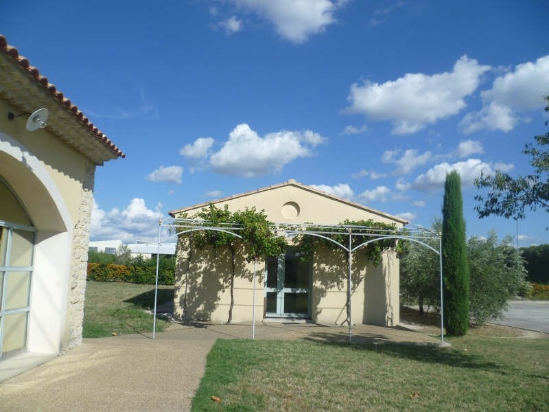 Location local commercial Carpentras 3500€ HT/HC - Photo 2
