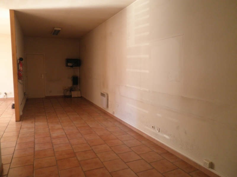 Location local commercial Carpentras 1100€ HT/HC - Photo 2