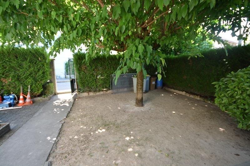 Sale house / villa Bourgoin jallieu 252000€ - Picture 9