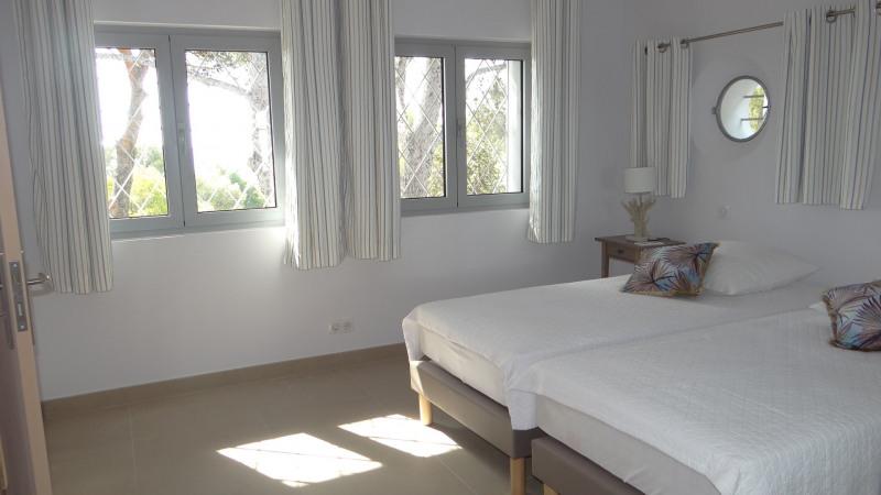 Vacation rental house / villa Cavalaire sur mer 2000€ - Picture 18