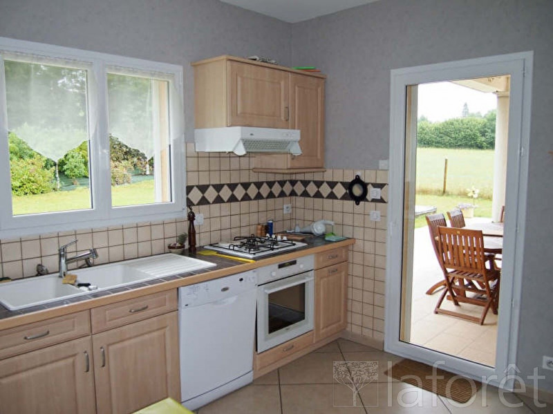 Sale house / villa Bourgoin jallieu 338000€ - Picture 3